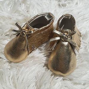 OLD NAVY Gold Shimmer Baby Moccasins